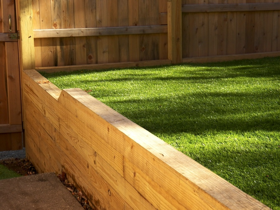 artificial lawn retaining wall