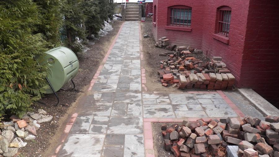 pave walkway bluestone step