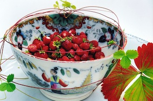strawberries in china bowl poc